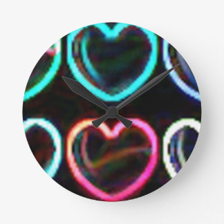 HEARTS A GLOW ROUND CLOCK
