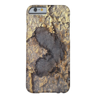 hearts everywhere barely there iPhone 6 case