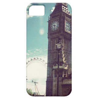 Heart's in London Phone Case