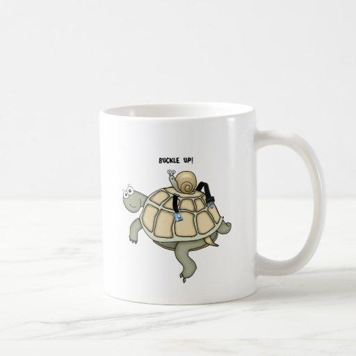HEBILLA de la tortuga y del caracol ENCIMA de la t Tazas De Café