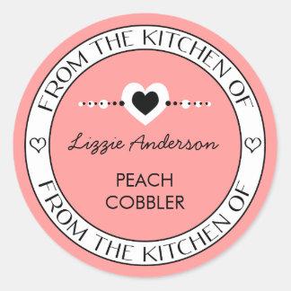 Hecho con amor de la cocina del rosa de la etiqueta redonda