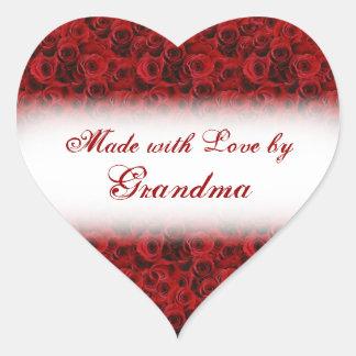Hecho con amor por las etiquetas color de rosa pegatina en forma de corazón