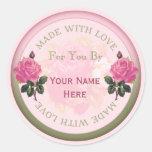 Hecho con los sellos personalizados amor, rosas de etiquetas redondas