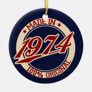Hecho en 1974 adorno redondo de cerámica