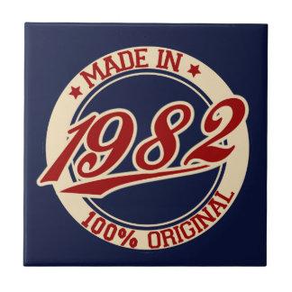 Hecho en 1982 azulejo cuadrado pequeño