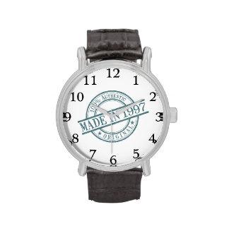 Hecho en 1997 reloj de mano