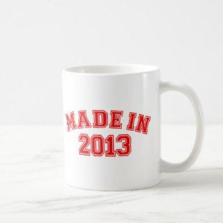 Hecho en 2013 tazas