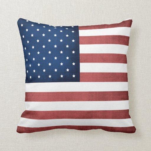 Hecho en almohada de tiro de la bandera americana