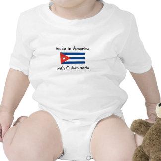 hecho en América con las piezas cubanas Camisetas