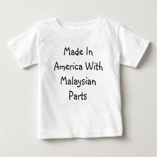 Hecho en América con las piezas malasias Playera
