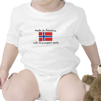 hecho en América con las piezas noruegas Camiseta