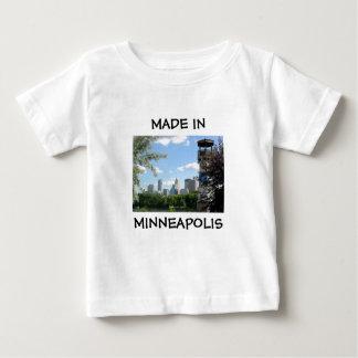 Hecho en camisa del bebé de Minneapolis