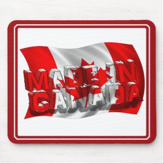 Hecho en Canadá (fondo de la bandera) Tapetes De Ratón