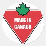 Hecho en el neumático de Canadá Pegatina Redonda