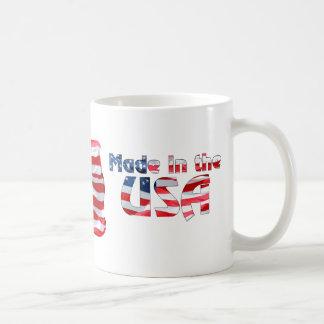 Hecho en la taza de la bandera americana de los