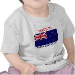 Hecho en Nueva Zelanda con la bandera de Nueva Zel Camisetas