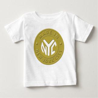 HECHO EN NYC embroma la camiseta
