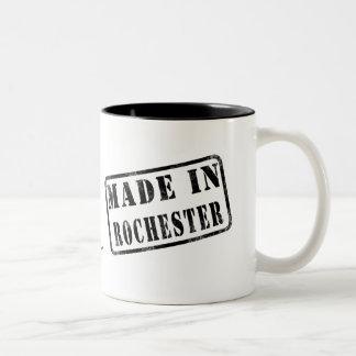 Hecho en Rochester Taza De Dos Tonos