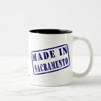 Hecho en Sacramento Taza Dos Tonos