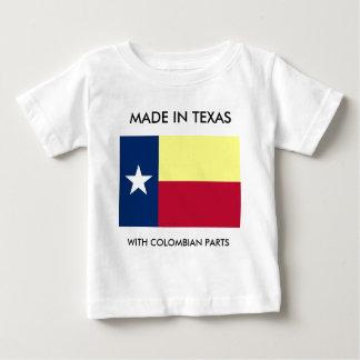 Hecho en Tejas con la camisa colombiana del niño