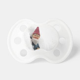 Hector sitiado por la nieve chupetes de bebé