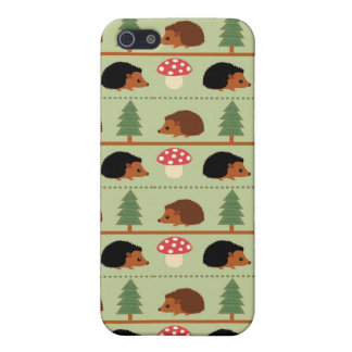 Hedgehogs, Mushrooms and trees iPhone SE/5/5s Cover