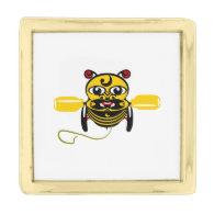 Hei Tiki Bee Toy Kiwiana Pin