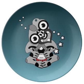 Hei Tiki New Zealand Drum Porcelain Plate