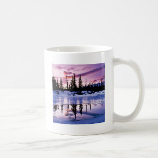 Helada de la tarde del invierno taza