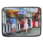 Helado de compra en la feria funda para macbooks