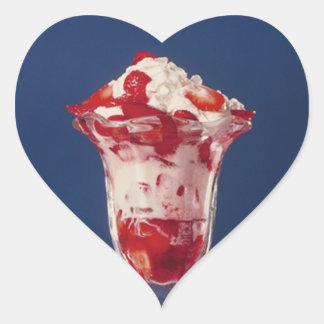 Helado de la fresa pegatina en forma de corazón