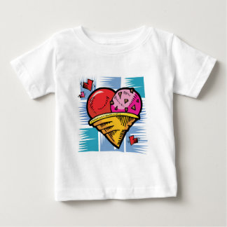 Helado en forma de corazón del día de V Camisas