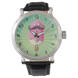 Helado rosado con los bigotes relojes