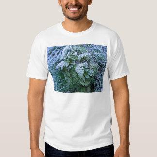 Helecho congelado en una camiseta del adulto del remera