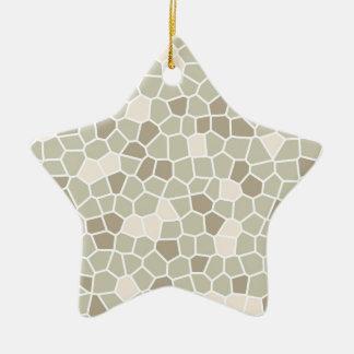 Helecho suave, almendra enmelada y gris de adorno navideño de cerámica en forma de estrella
