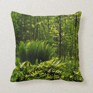 Helechos salvajes del bosque cojín decorativo
