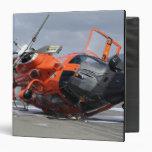 """Helicóptero del delfín MH-65 estrellado en Arcata Carpeta 1 1/2"""""""
