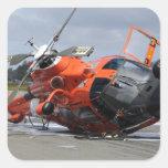 Helicóptero del delfín MH-65 estrellado en Arcata Pegatina Cuadrada