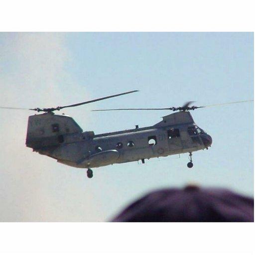 Helicóptero en aire esculturas fotograficas