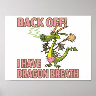 hembra divertida del dibujo animado de la respirac póster