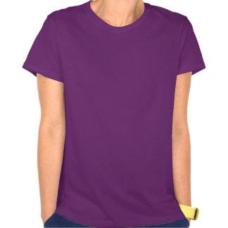 Hembra púrpura del patinaje sobre ruedas lindo de  t shirt