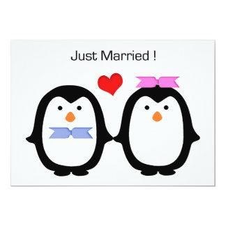 """Hembra-varón de los pares del pingüino casada invitación 5"""" x 7"""""""