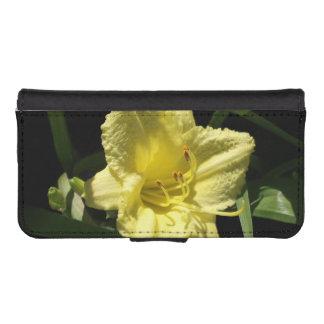 Hemerocallis amarillo del Daylily Fundas Cartera De iPhone 5