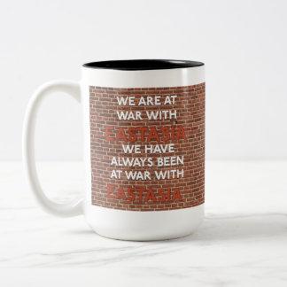 Hemos estado siempre en la guerra con las tazas