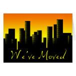 hemos movido la invitación: paisaje urbano felicitacion
