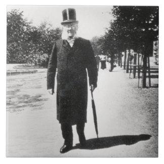Henrik Ibsen (1828-1906) en Oslo, 1896 (foto de b/ Azulejo Cuadrado Grande