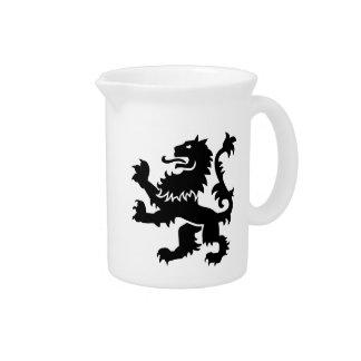 Heráldica del león jarras para bebida