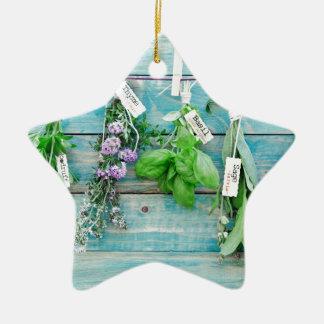 herbals en la pared de madera pintada turquesa del ornamentos para reyes magos