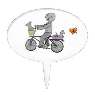 Herberto feliz que monta su bici decoraciones de tartas