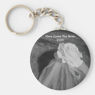 Here Comes The Bride - Personalized Wedding Favors Basic Round Button Keychain